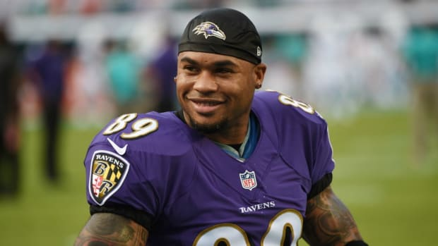 Ravens Steve Smith is trying out hockey