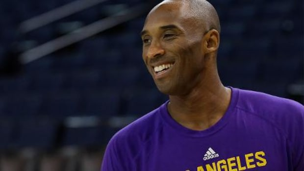 Lakers coach Byron Scott: 'Not an option' to bench Kobe Bryant -- IMAGE