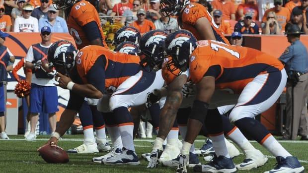 2015-nfl-playoffs-best-offensive-lines-cowboys-ravens-broncos
