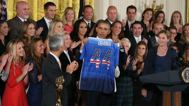 obama-uswnt-white-house.jpg
