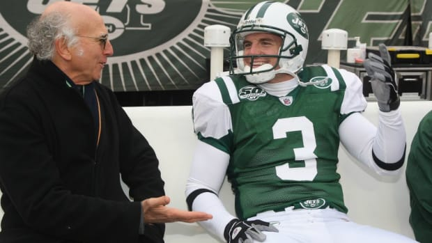 Larry David would like to join Jets coaching staff