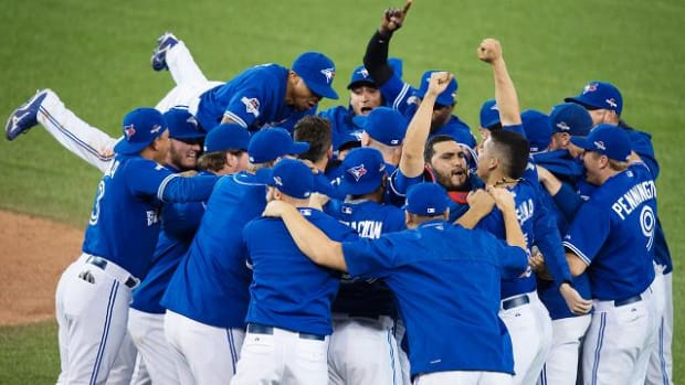 Blue Jays beat Rangers 6-3 in Game 5, advance to ALCS - IMAGE