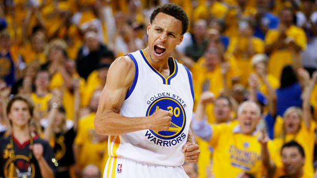 Warriors grab Game 5, series lead behind Stephen Curry's 37 IMAGE