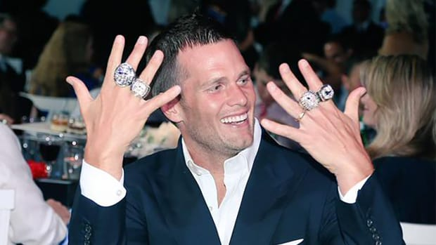 A Whole New Approach: Patriots receive Super Bowl XLIX rings