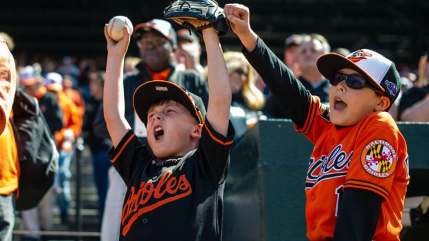 Kids interview Orioles players