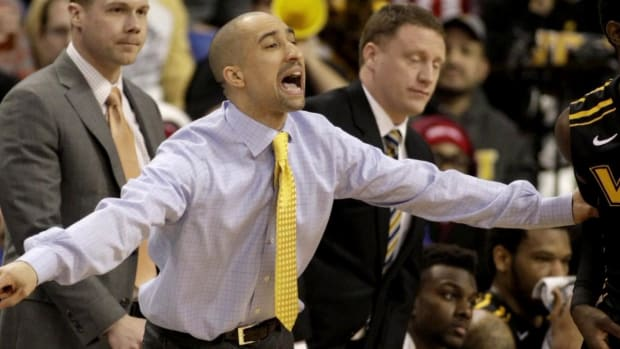 Report: VCU coach Shaka Smart in discussions with Texas IMAGE