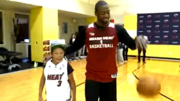 Dwyane Wade plays one-on-one with grandmother for her 90th birthday