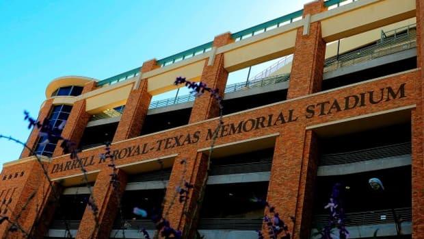 darrell-royal-texas-memorial-stadium.jpg