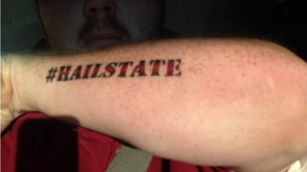 Mississippi State fan gets '#HAILSTATE' tattoo