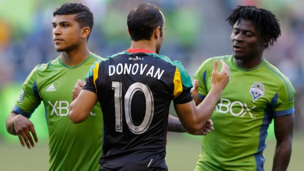 sounders-galaxy-yedlin-donovan-martins