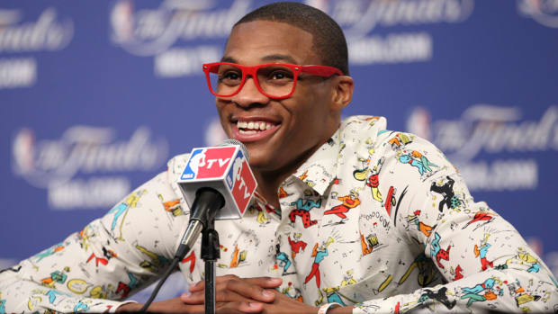 russell westbrook fashion glasses