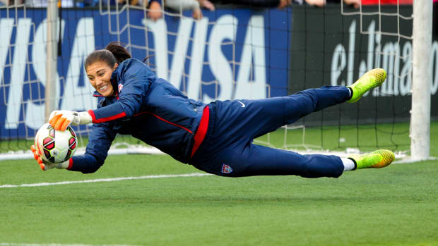 hope-solo-uswnt-world-cup-qualifying