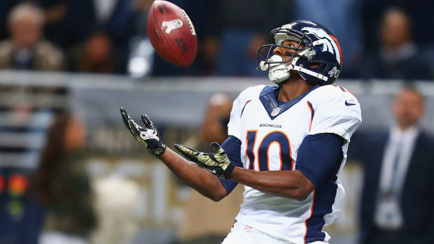 denver broncos Emmanuel Sanders evaluated for concussion after hit