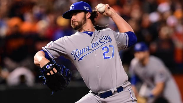 Royals pitcher Brandon finnegan gives away two tickets to ALCS on twitter
