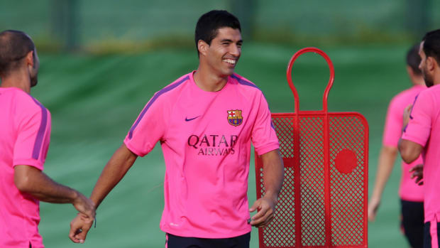 Barcelona Luis Suarez eligible debut Real Madrid