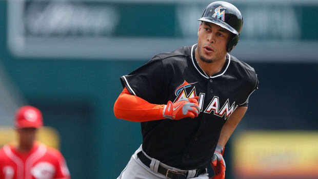 Giancarlo Stanton, Miami Marlins discussing contract that could be for 10 years, $300 million IMAGE