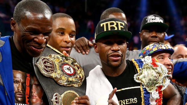 Floyd-Mayweather-reflects-on-career.jpg