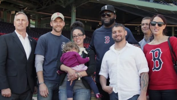 Boston Red Sox David Ortiz surprised veterans with World Series tickets