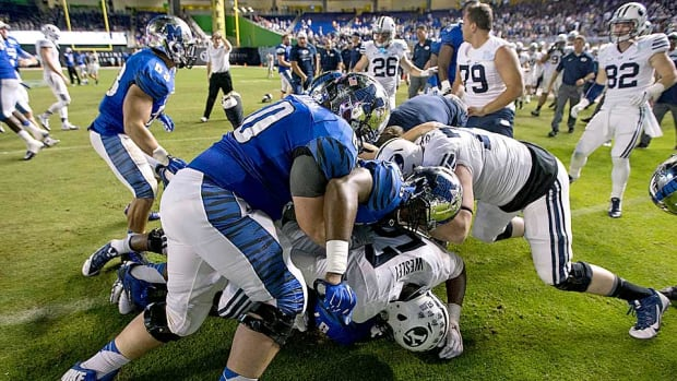 memphis-tigers-byu-cougars-brawl-miami-beach-bowl.jpg