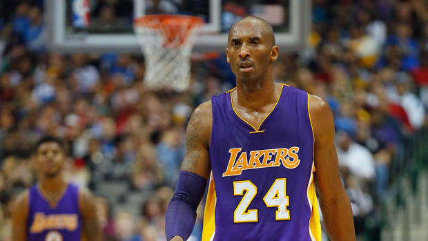 kobe bryant lakers points assists