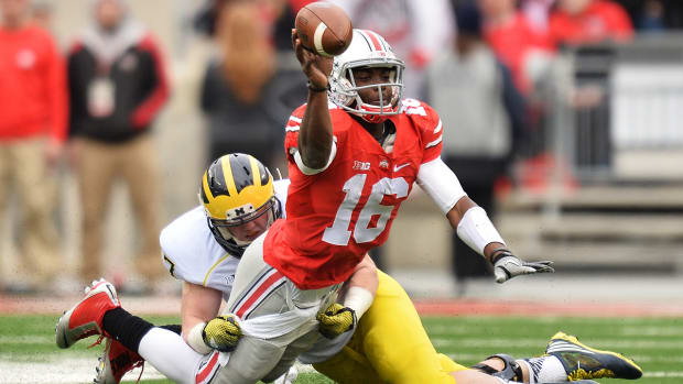 Ohio State's J.T. Barrett carted off from Michigan game with leg injury - image