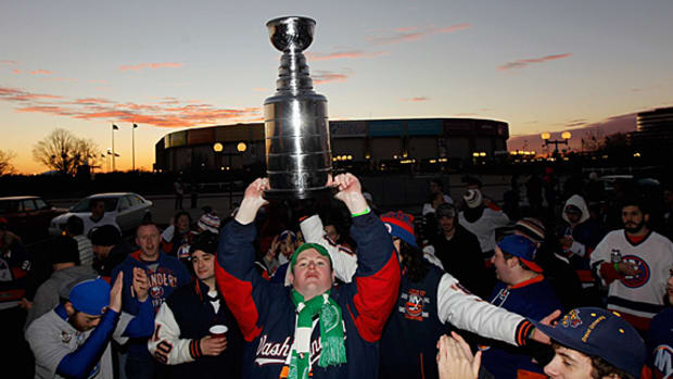 islanders-fans-stanley-cup.jpg