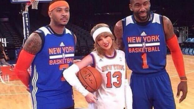 Taylor Swift visits the New York Knicks