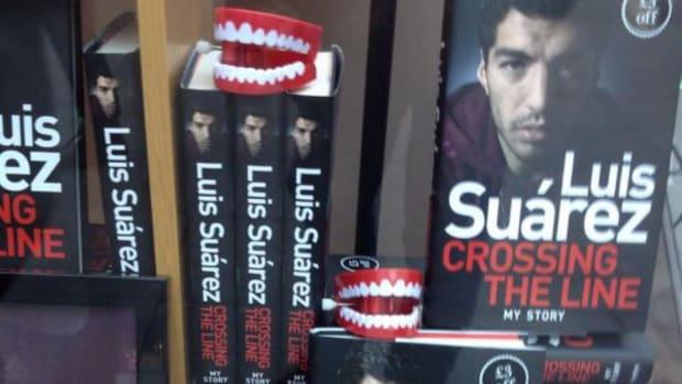 Luis Suarez Memoir display has teeth on it