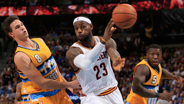Chris Mannix's NBA Mailbag - Does LeBron James need to start running the offense in Cleveland?
