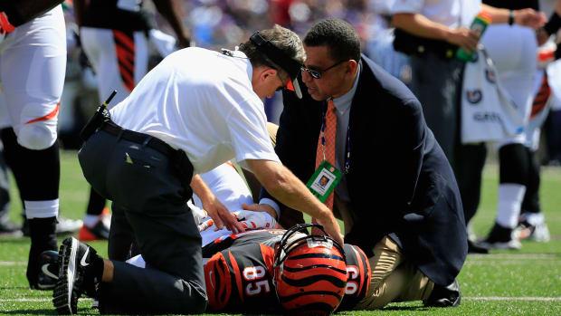 Tyler Eifert dislocated elbow injury ir designation to return Cincinnati Bengals