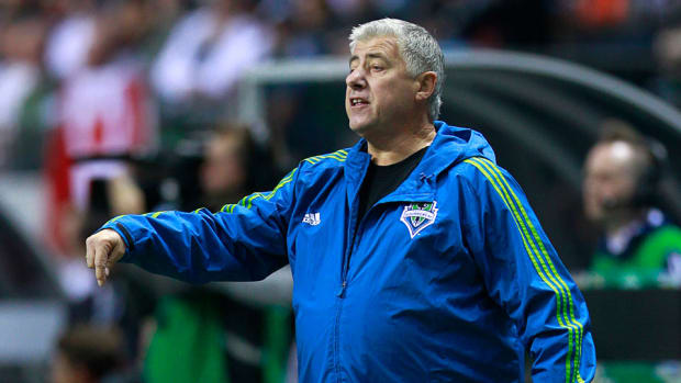 sounders coach Sigi Schmid extension coach