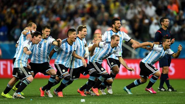 Lionel-Messi-Penalties-Argentina-Win