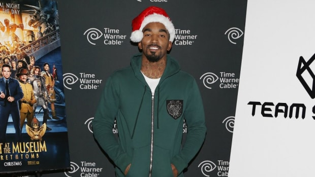J.R. Smith is hiding Christmas presents all over New York
