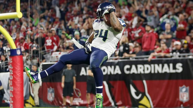 Report: Marshawn Lynch fined for controversial gesture - image