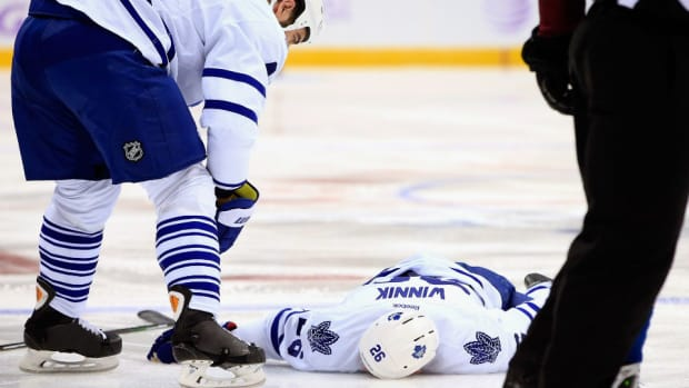 Daniel Winnik hit injury