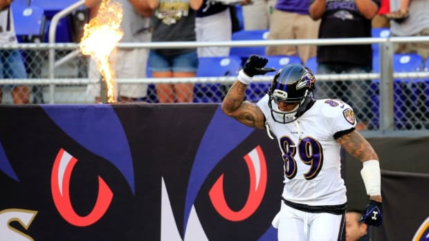 Steve Smith offered to fight a Dolphins fan who heckled him