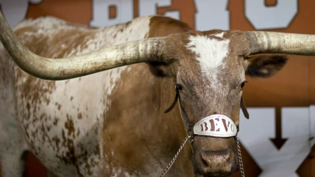 Longhorn Network will show Bevo grazing for 5 hours on Christmas