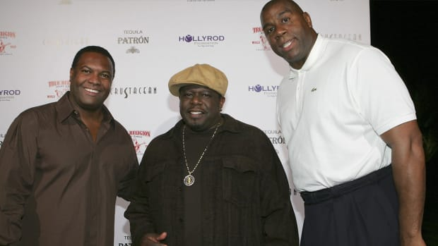 Cedric the Entertainer: Proud of his friend Magic for Sportsman of the Year Legacy Award  - Image