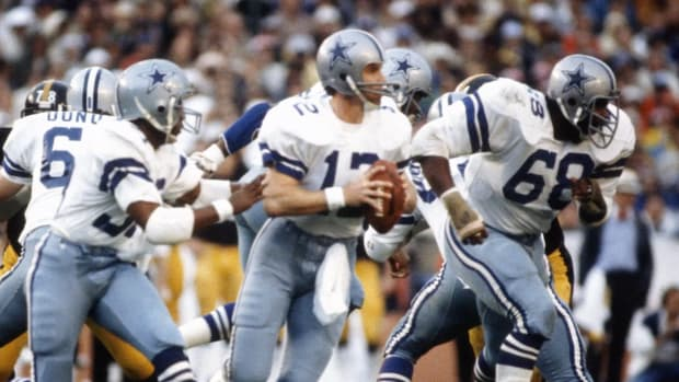 Pro Files: Dallas Cowboys' Roger Staubach