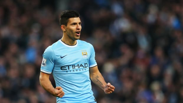 Sergio Agüero, Sergio Aguero Manchester city signs five year deal 2019