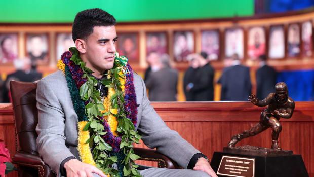 Should Oregon have paid Marcus Mariota?