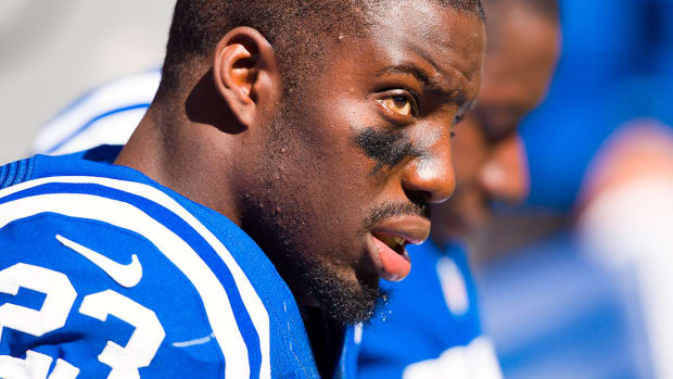 Report: Vontae Davis ruled out vs. Browns - image