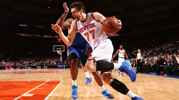 Derek Fisher thinks Andrea Bargnani can be 'matchup problem' for opponents