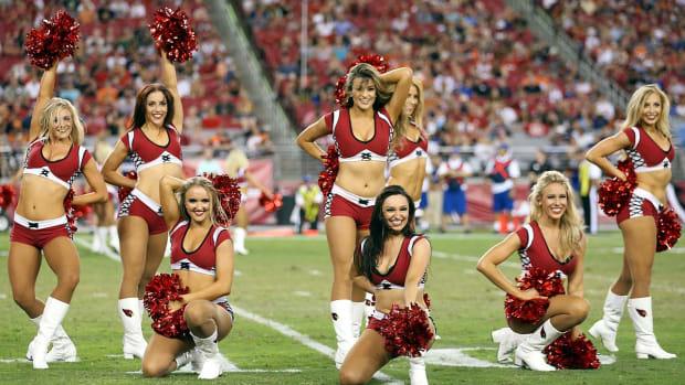 Arizona-Cardinals-cheerleaders-454110192.jpg