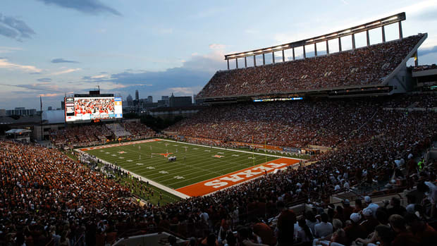 Texas schedules series with South Florida and LSU
