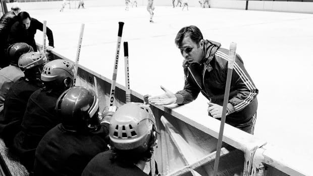 Viktor Tikhonov, legendary Soviet Union hockey coach, dies at age 84