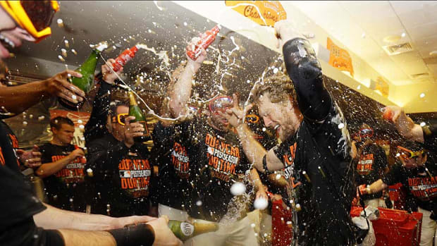 Giants celebrate NLDS champagne