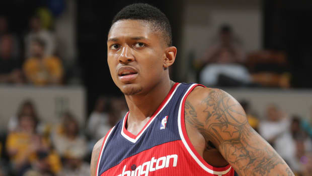 Wizards' Bradley Beal to miss significant time with broken left wrist