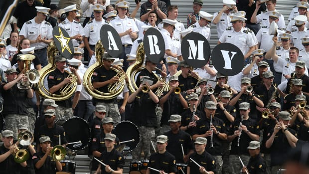 Report: Army football recruited high school athletes with alcohol and women - image