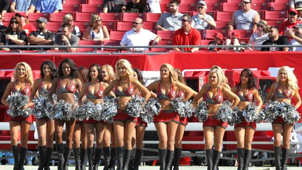 Tampa-Bay-Buccaneers-cheerleaders-357141228427_Saints_at_Bucs.jpg
